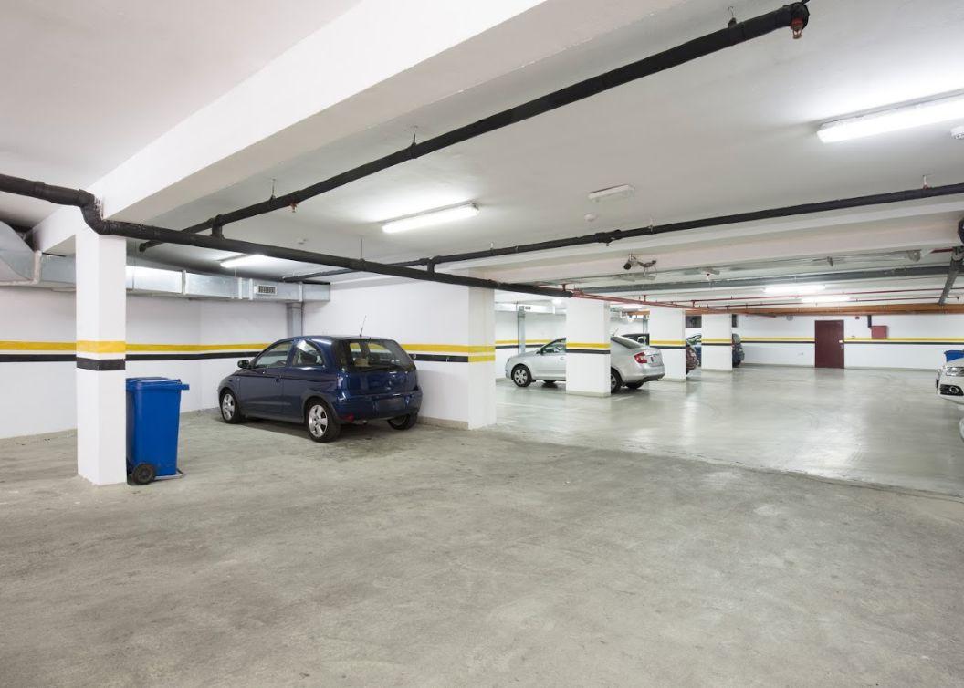 Limpieza de parking en Osona