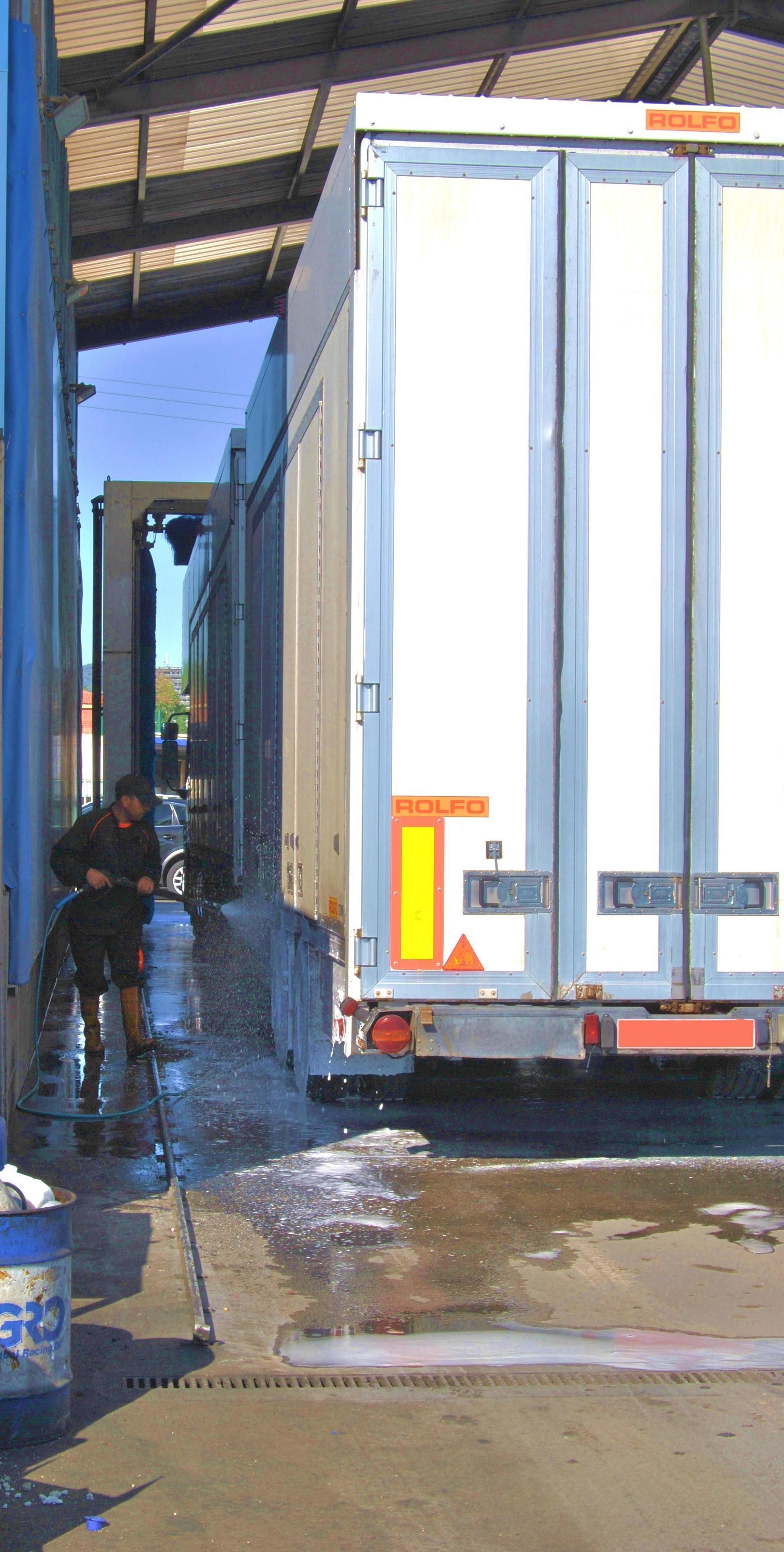 Foto 11 de Mecánica rápida en Sant Joan Despi | Geiser