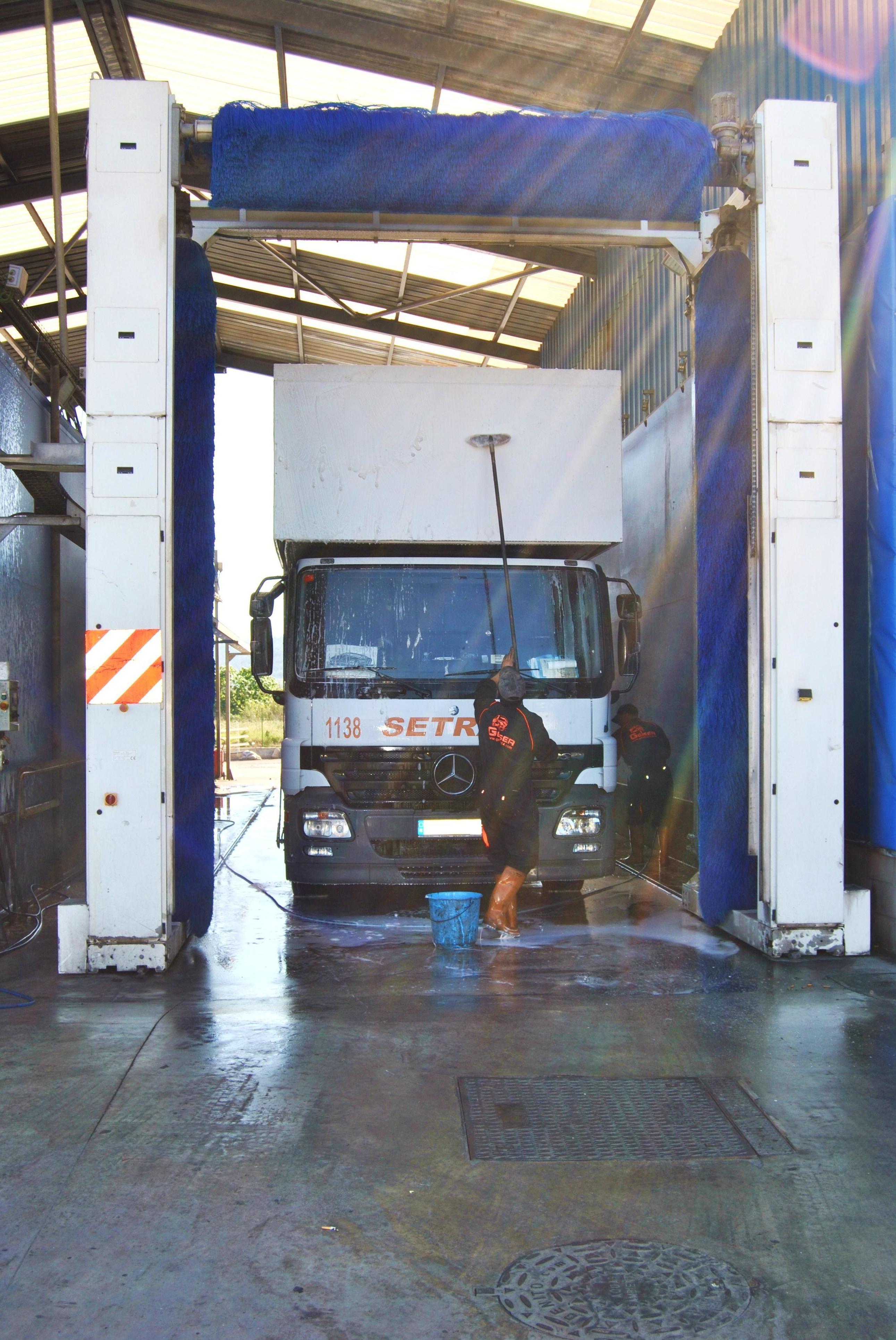 Foto 10 de Mecánica rápida en Sant Joan Despi | Geiser