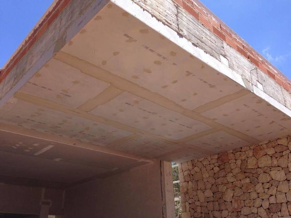 Insonorización y revestimientos de paredes y techos