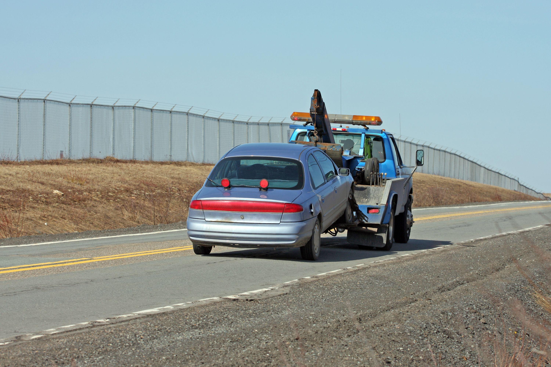 Recogida y entrega de su vehículo: Taller de Grúas y Talleres Caro Teba