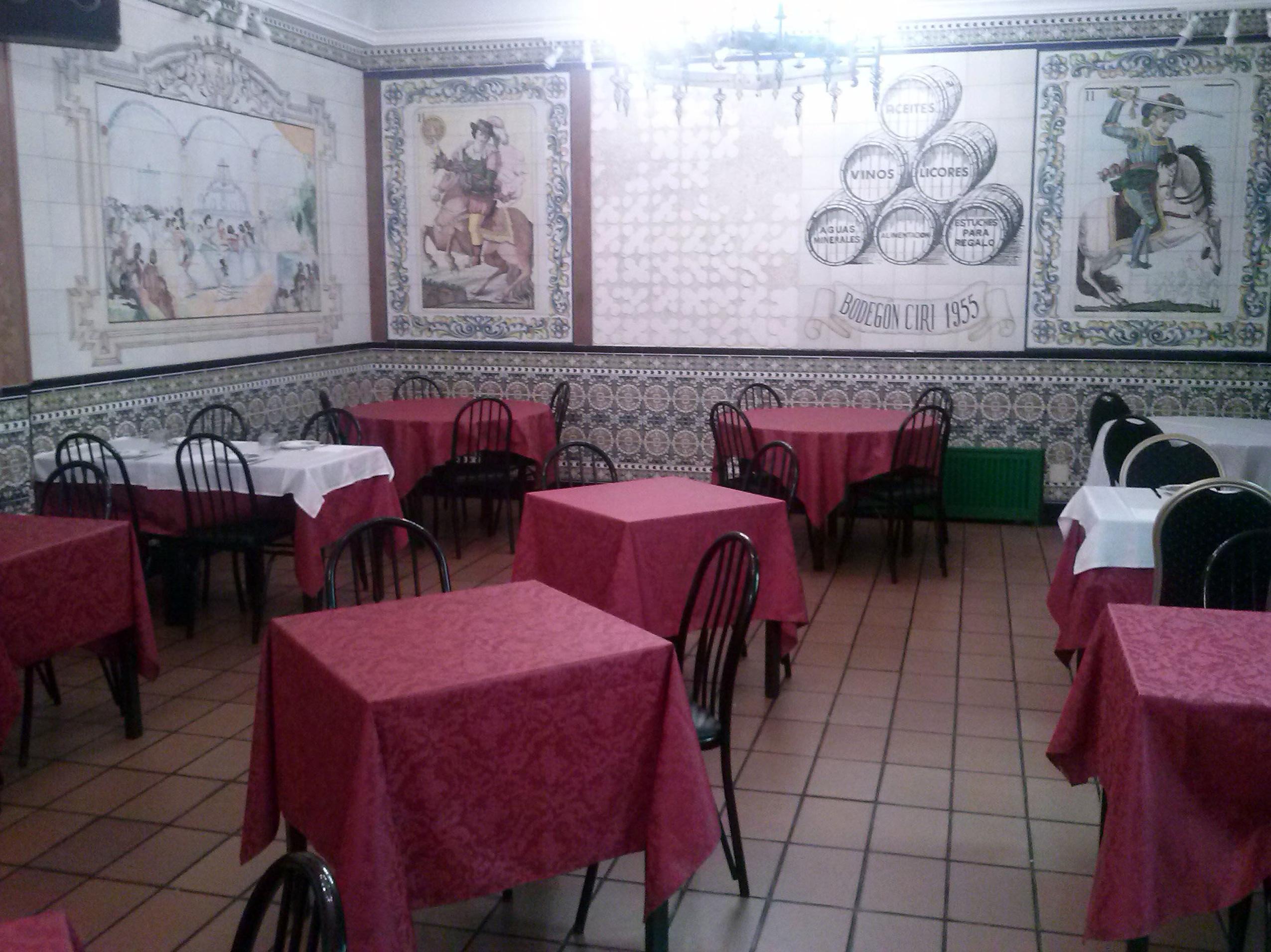 Restaurante Bodegon Ciri cocina tradicional