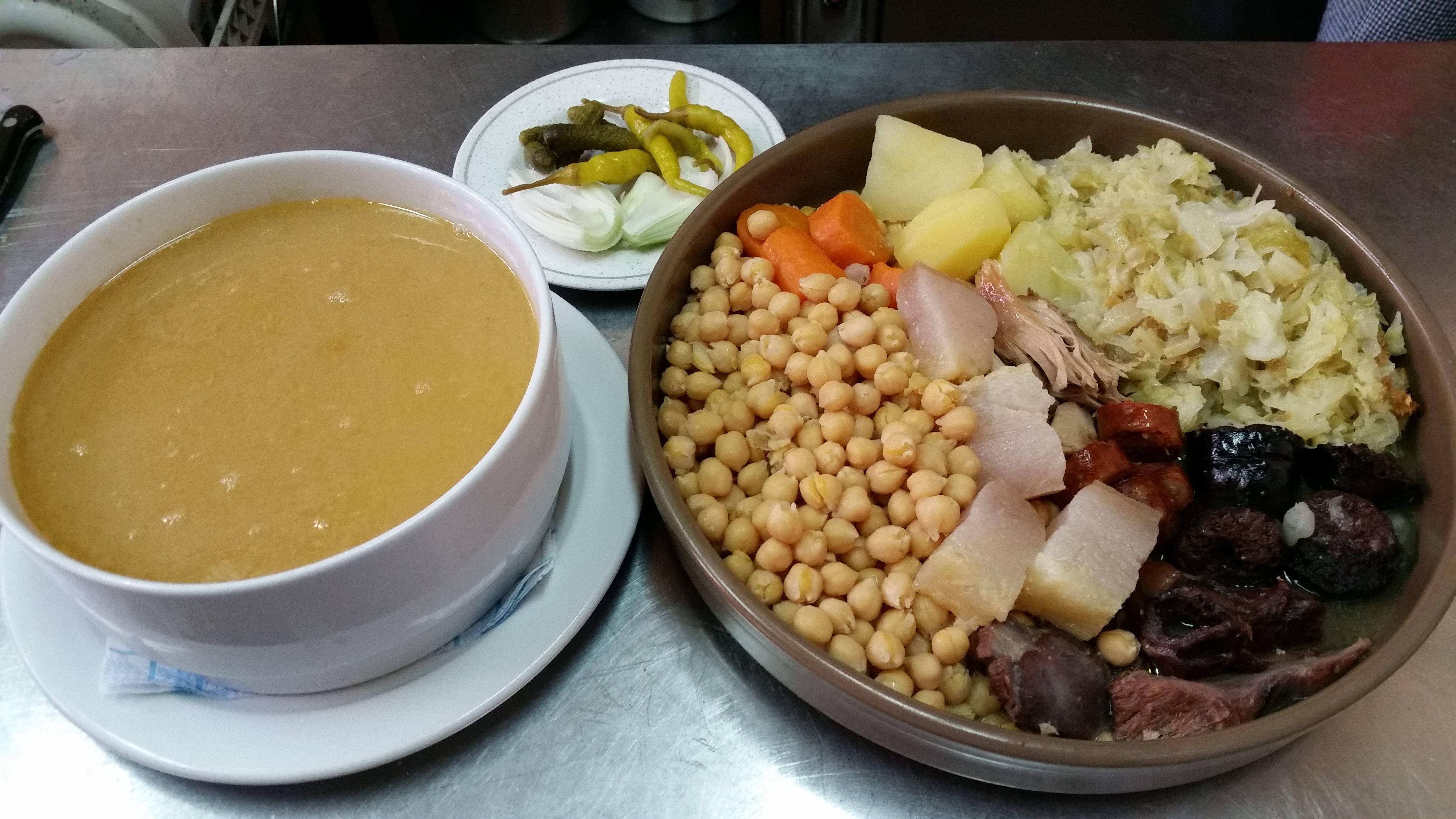 """todos los jueves degusta nuestro exquisito """"cocido madrileño """""""