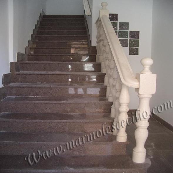 Escaleras en mármol en Almería