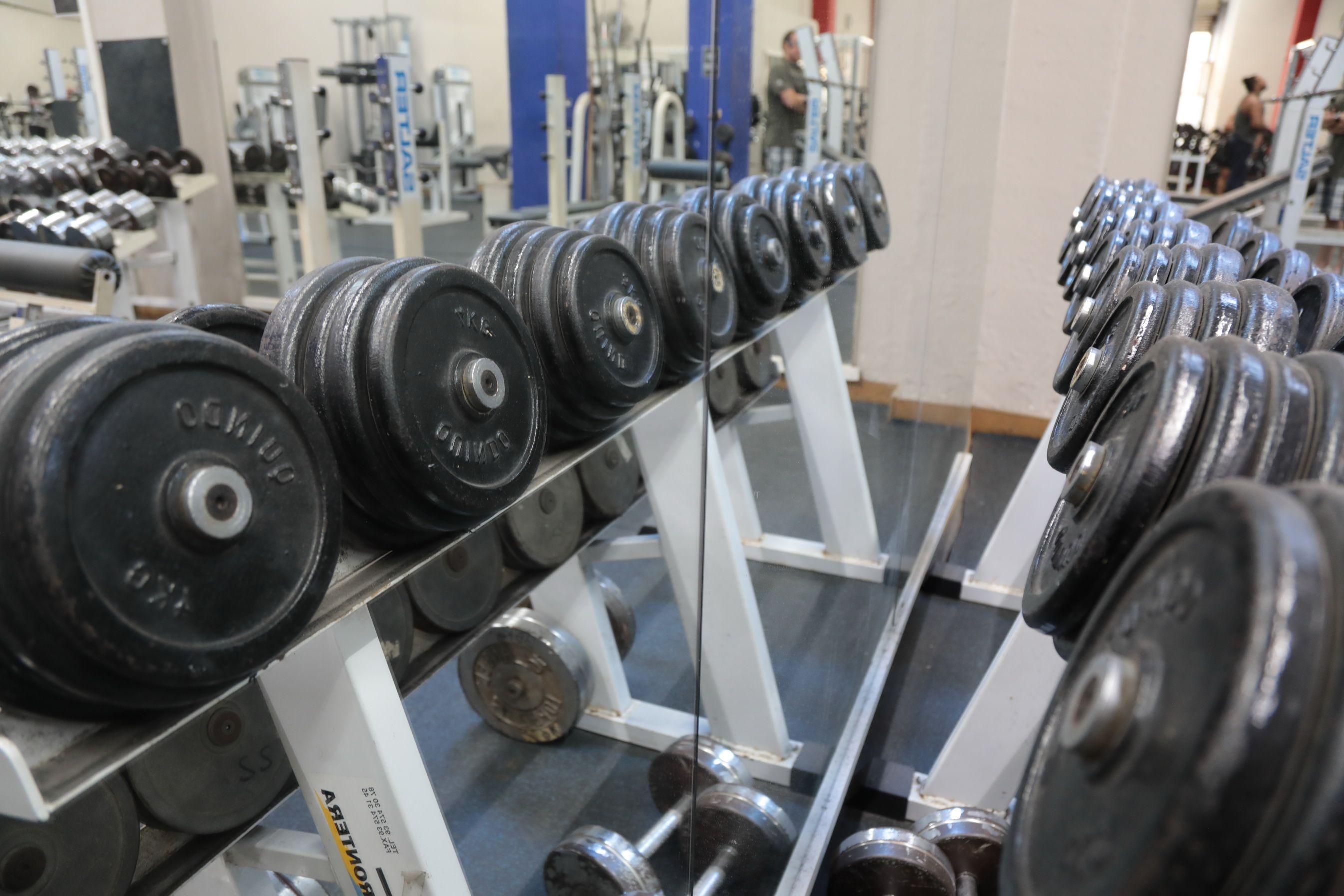 Amplias instalaciones para musculación