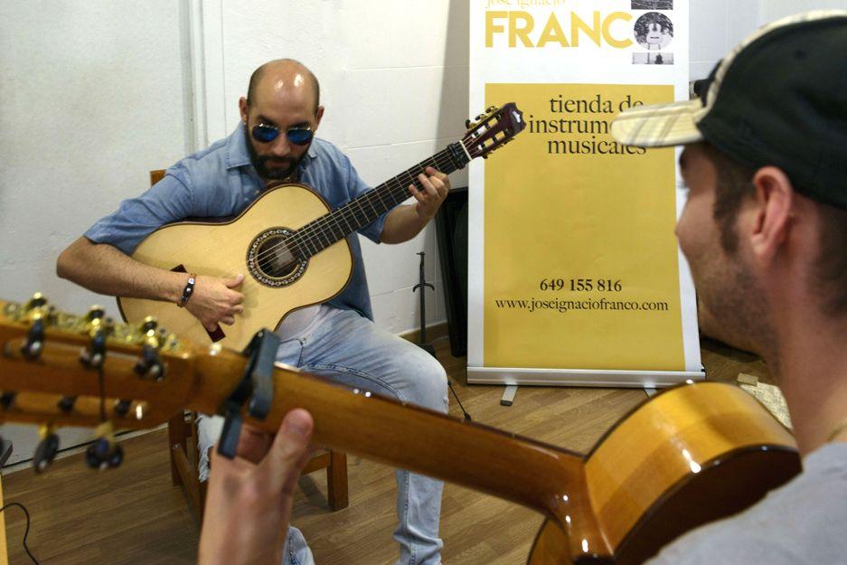 Aprender guitarra flamenca en Jerez