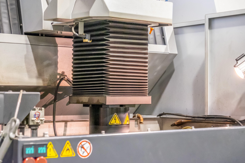 Fuelle de maquinaria industrial en Baix Llobregat