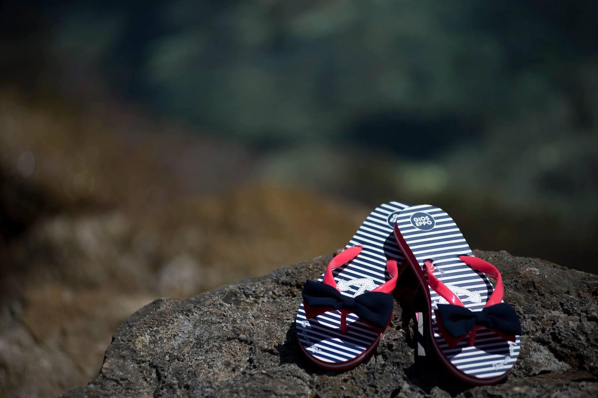 Sandalias y chanclas: Calzado infantil  de Petit Cocó
