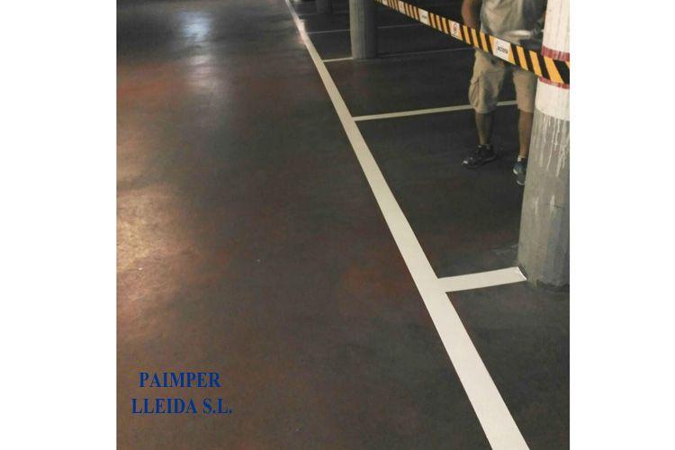 Aplicación de aislamientos en suelo de garaje