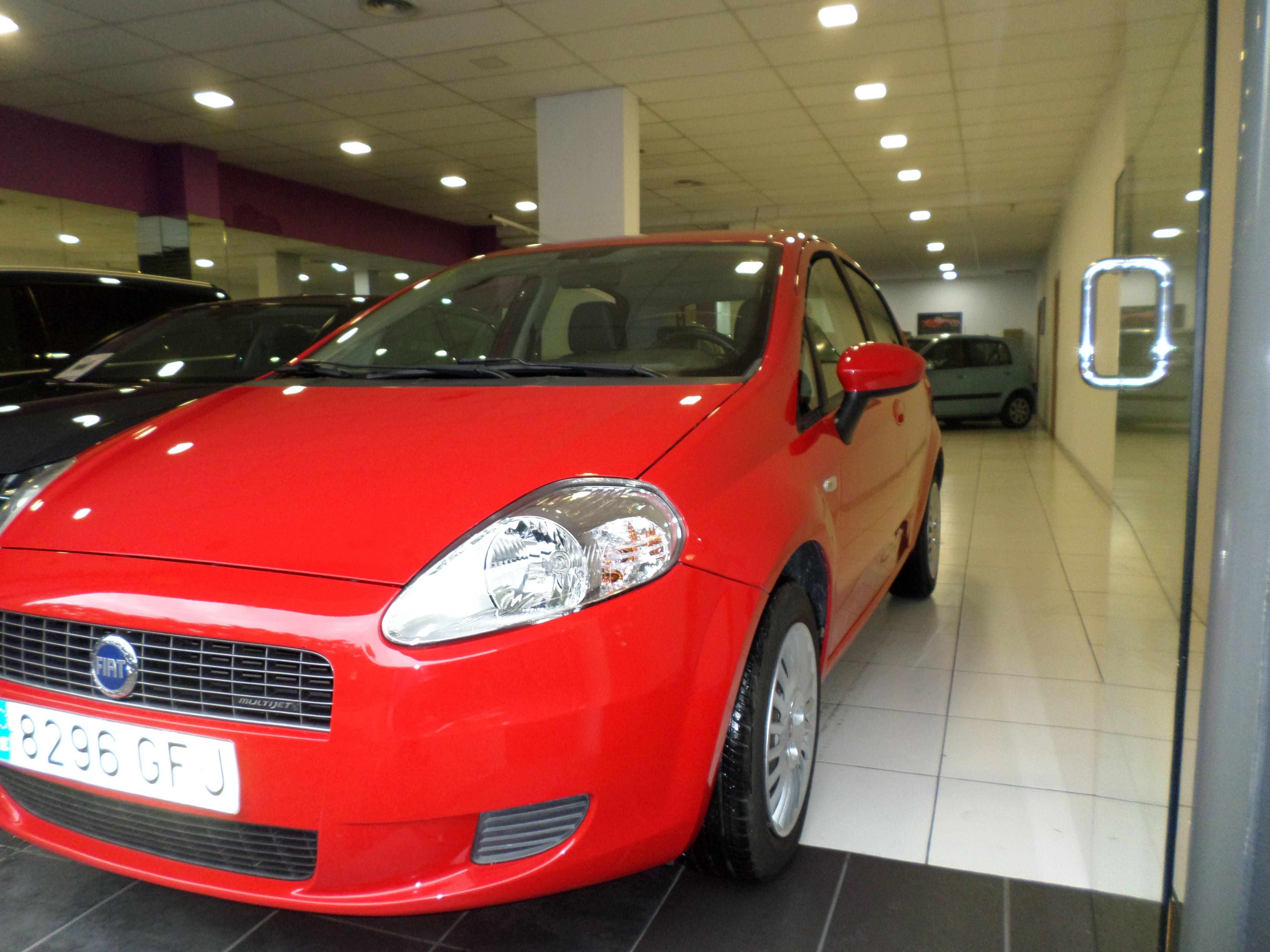 Fiat Grande Punto: Servicios de reparación  de Automóviles y Talleres Dorado