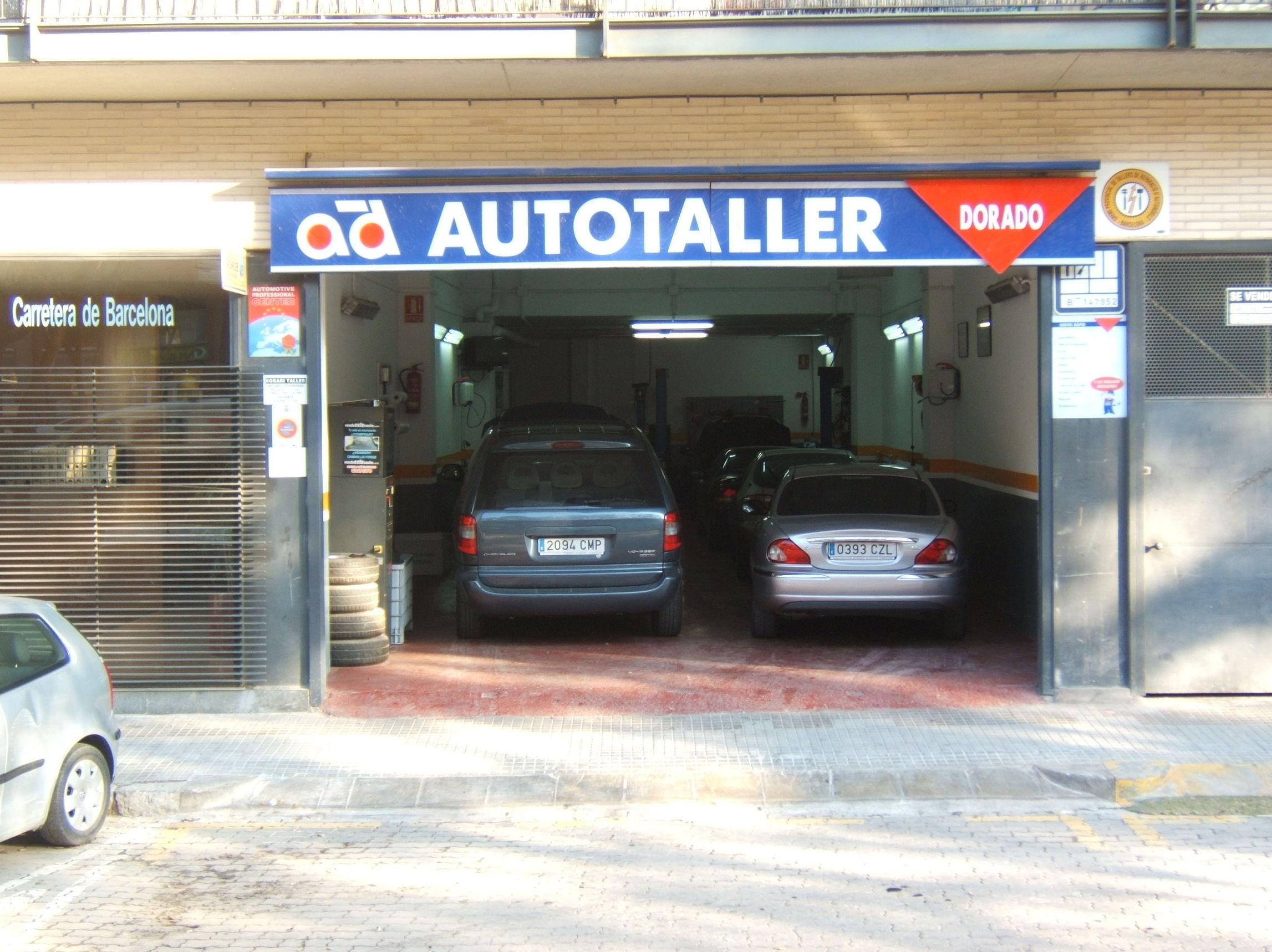 Foto 4 de Taller mecánico y compra y venta de vehículos en Barcelona en Viladecans | Automóviles y Talleres Dorado