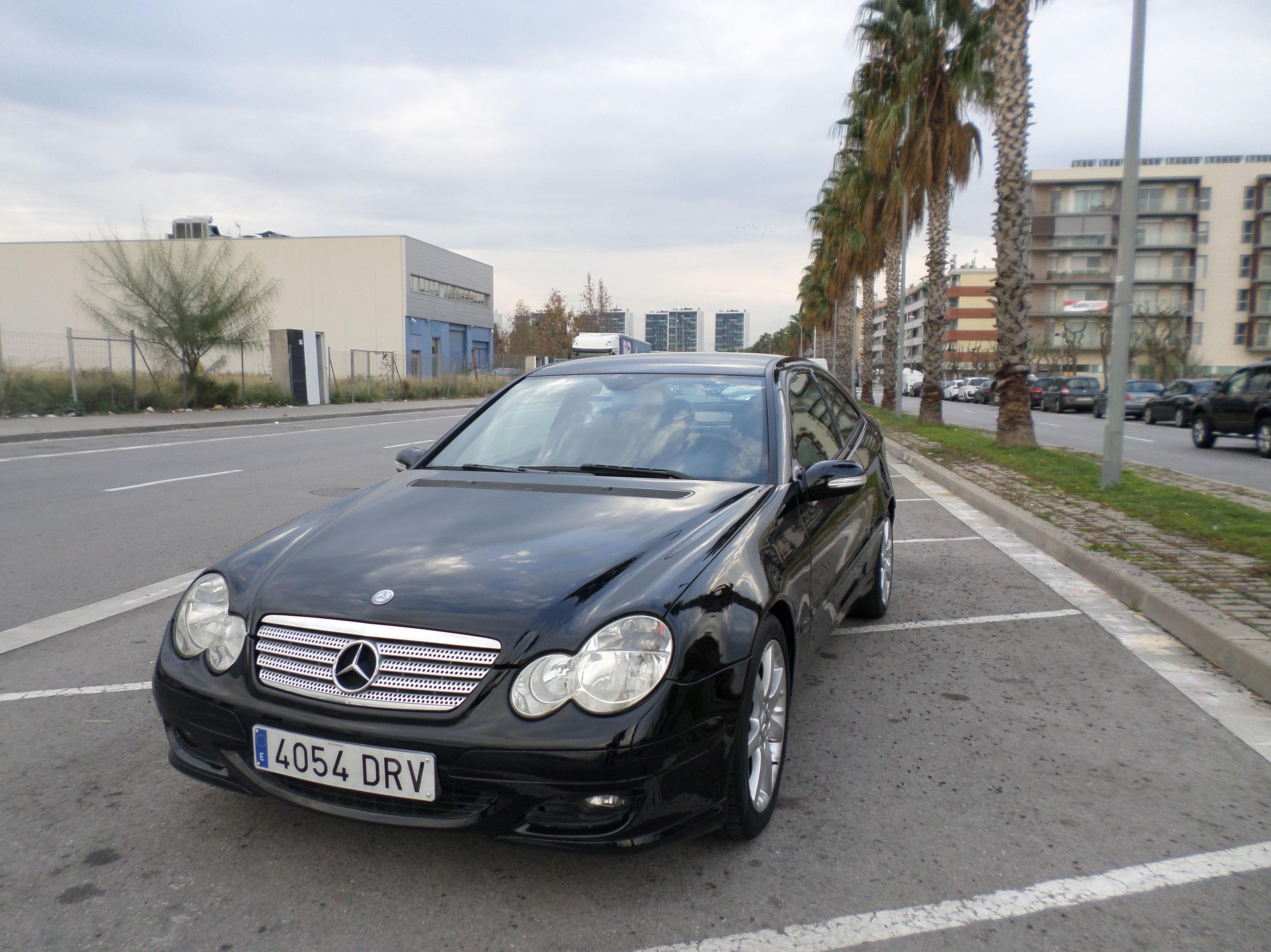 Mercedes-Benz Clase CC 160 K Sport Coupe 3p pvp5900 €uros: Servicios de reparación  de Automóviles y Talleres Dorado