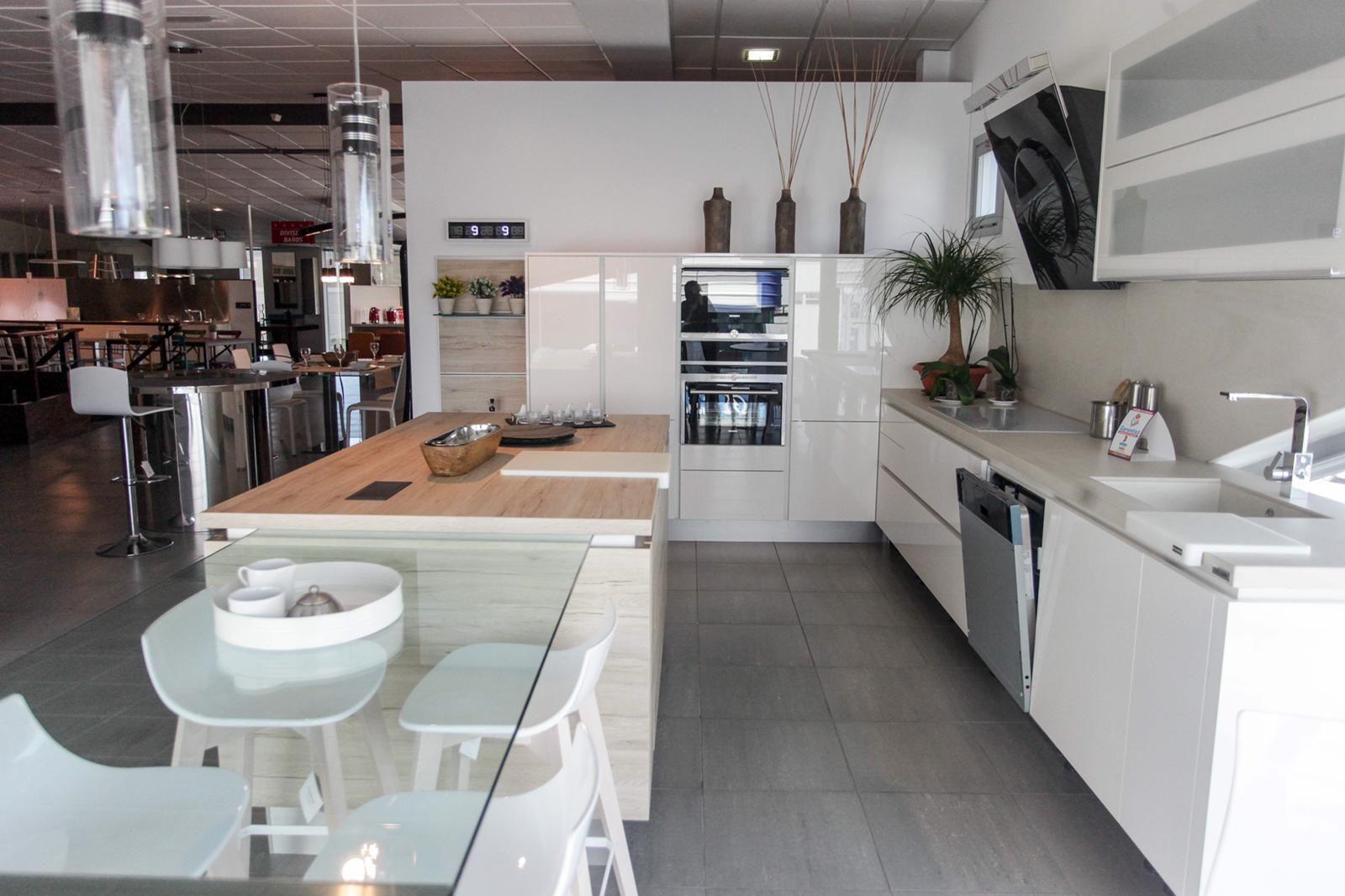 Muebles y accesorios para cocina a medida en Ibiza