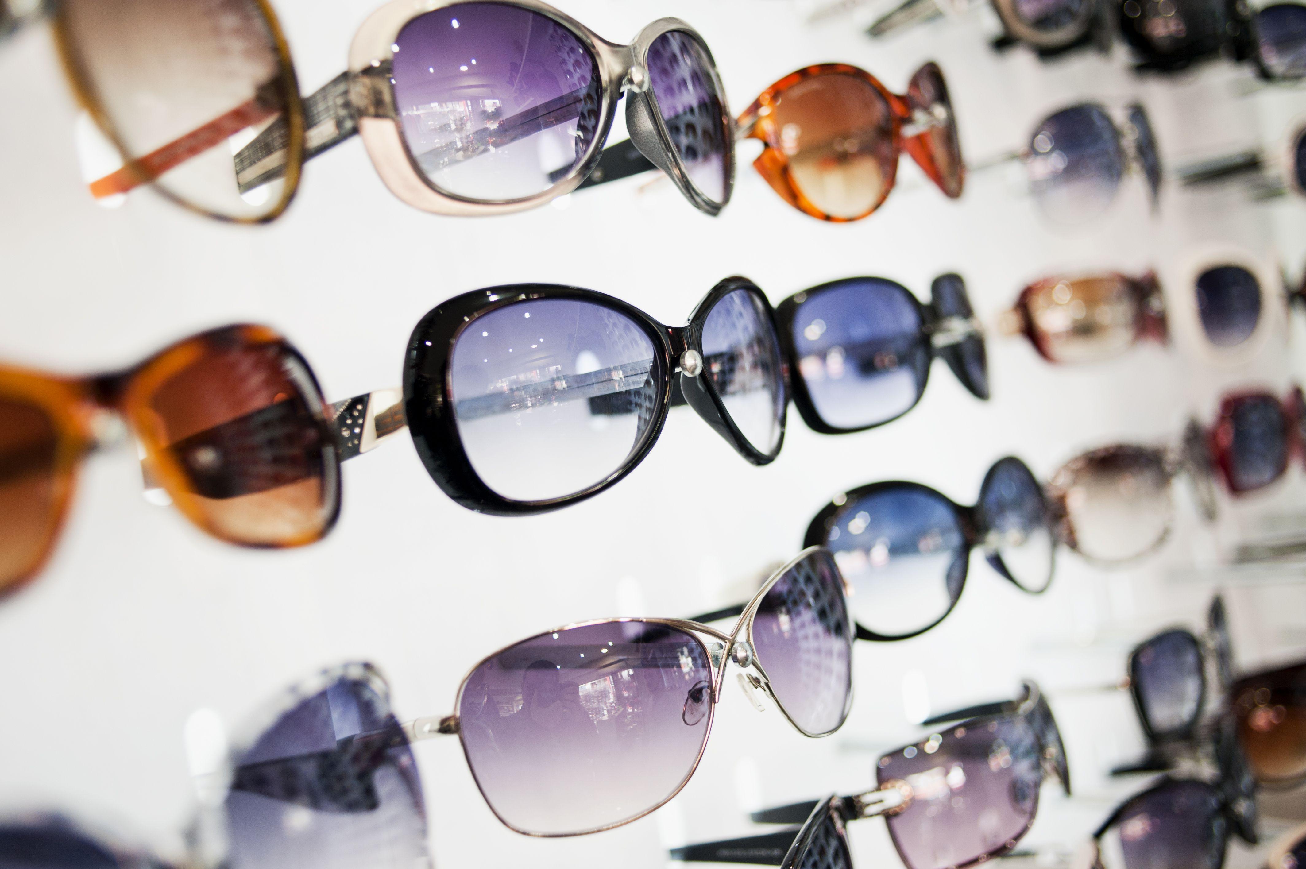 Diferentes diseños de gafas de sol
