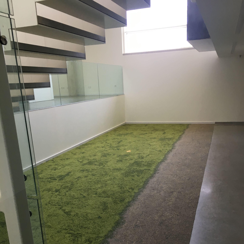 Foto 10 de Parquets y revestimientos de suelo en Barcelona | Comercial de Moquetas y Parquets