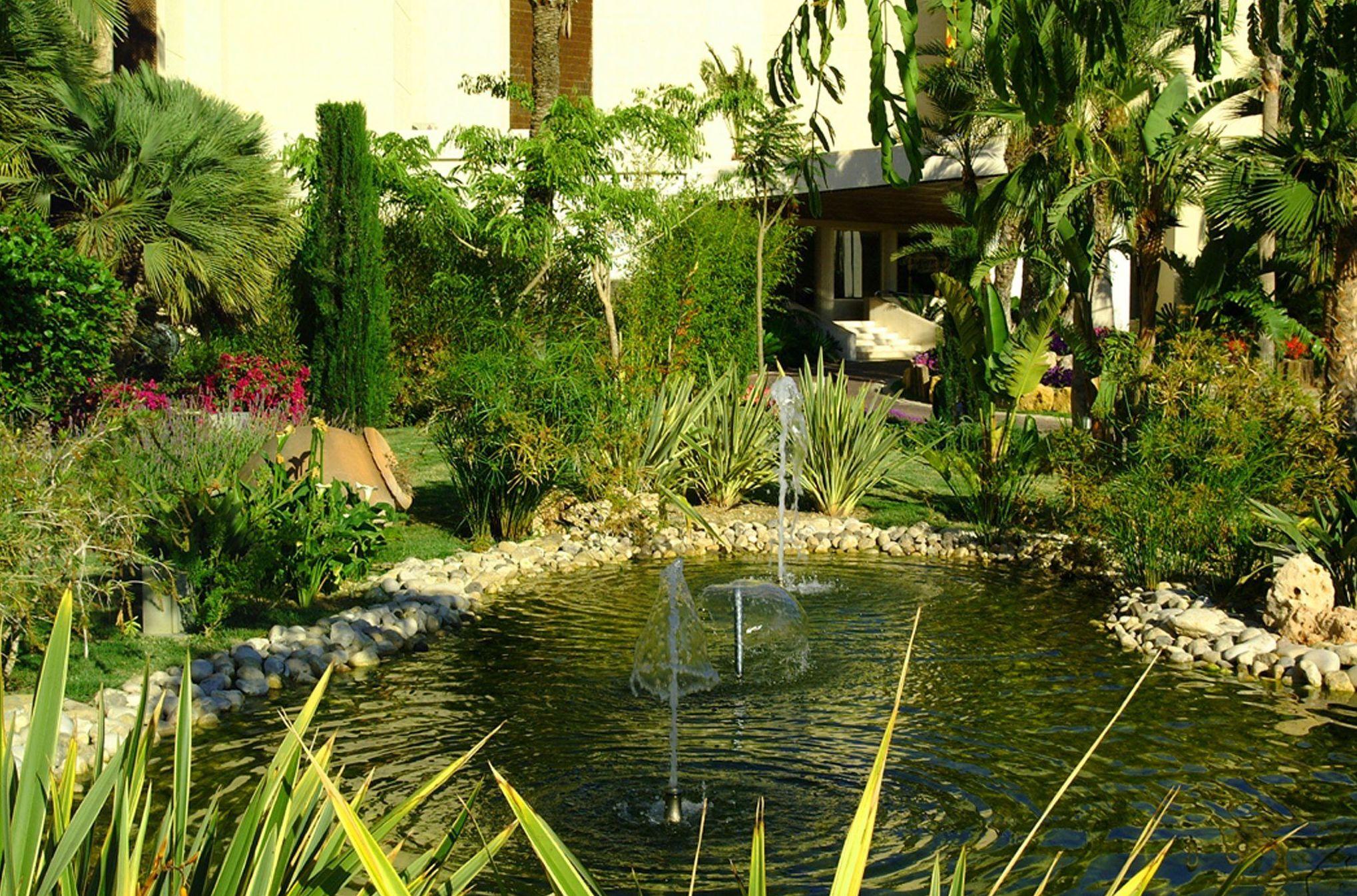 Diseño de jardines privados y comunitarios