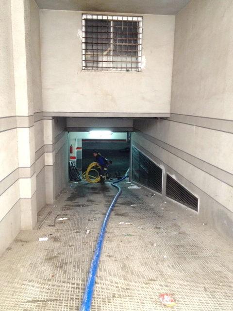 Reparación de una inundación en garaje