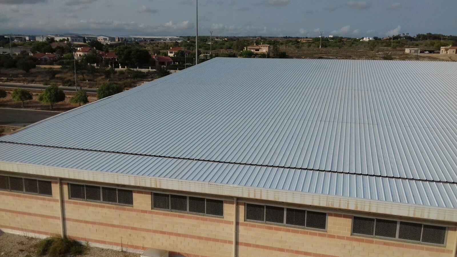 Especialistas en cubiertas metálicas en Alicante