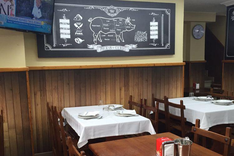 Restaurante especializado en carnes a la brasa
