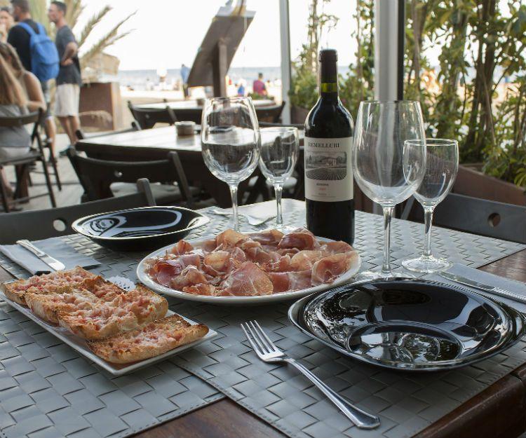 Ambiente familiar y acogedor en la Barceloneta