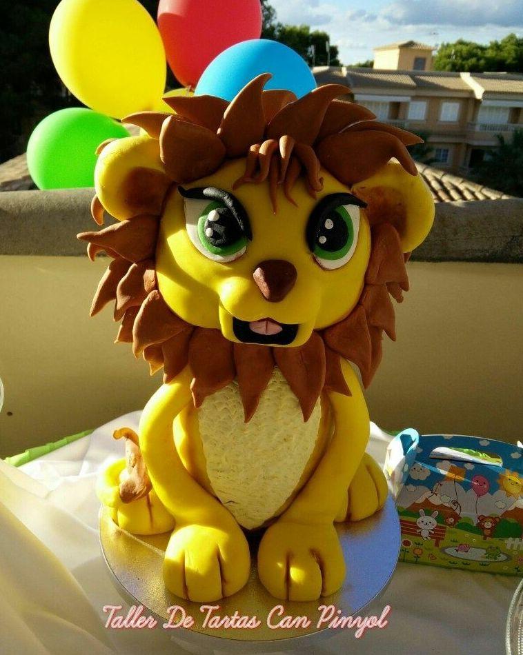 Tarta infantil con forma de león