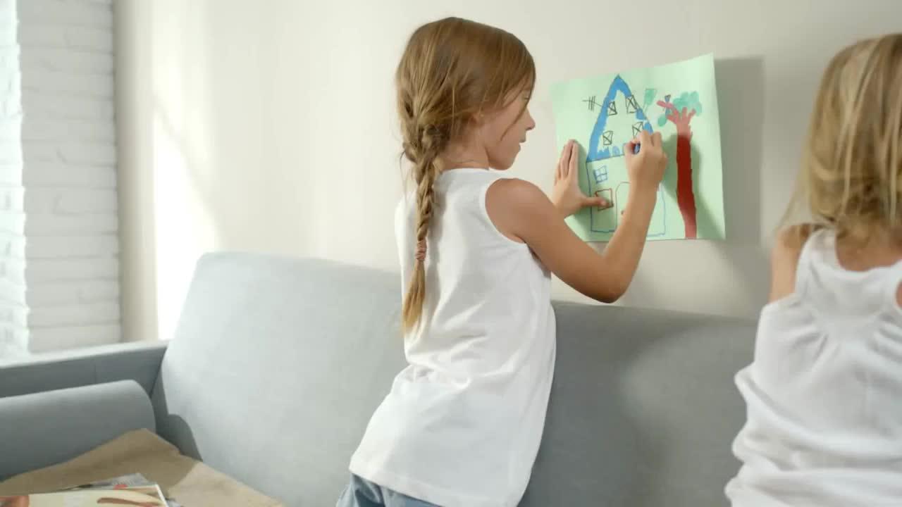 Pintura ISACLEAN repele manchas en almacén de pinturas en ciudad lineal. }}