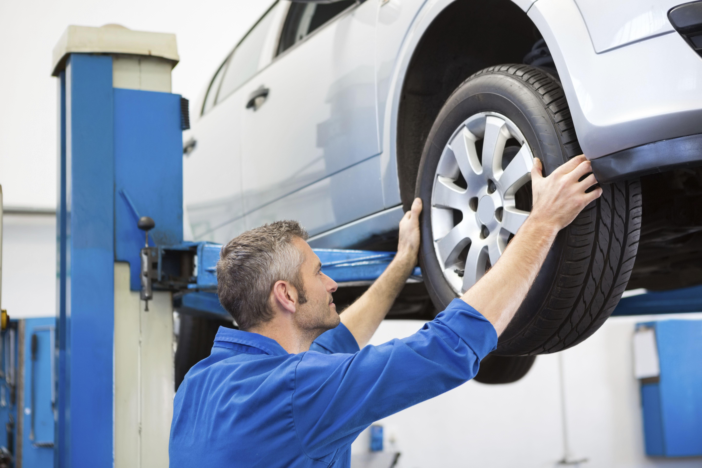 Reparación de neumáticos y otros elementos