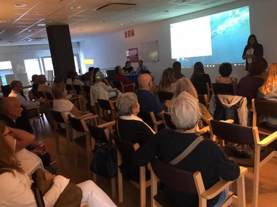 Finalizando la conferencia sobre el Alzheimer. Muy agradecidos con los ponentes y con la asistencia
