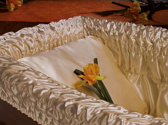 Preparación del féretro: Productos y servicios  de TU NUEVA TIENDA: www.articulosfunerarios.net