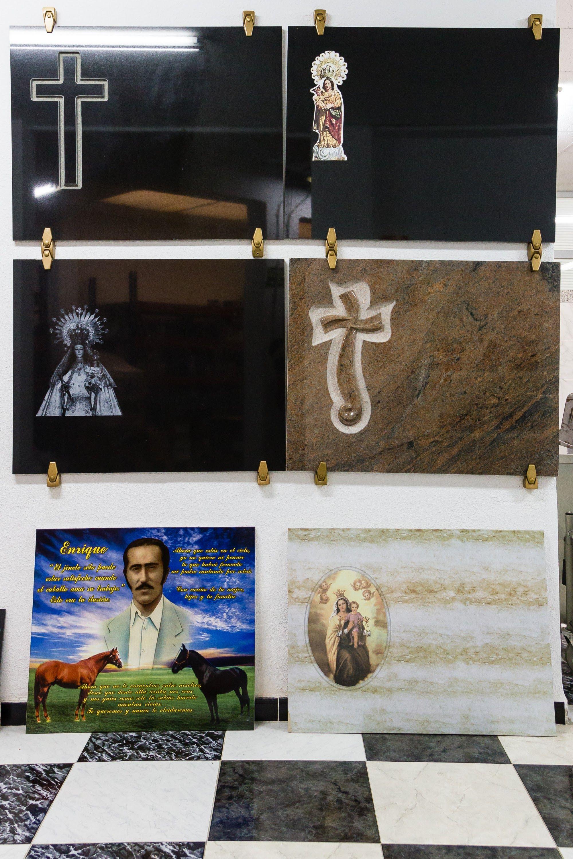 Foto 1 de Distribuidores de productos funerarios en Torrente | TU NUEVA TIENDA: www.articulosfunerarios.net