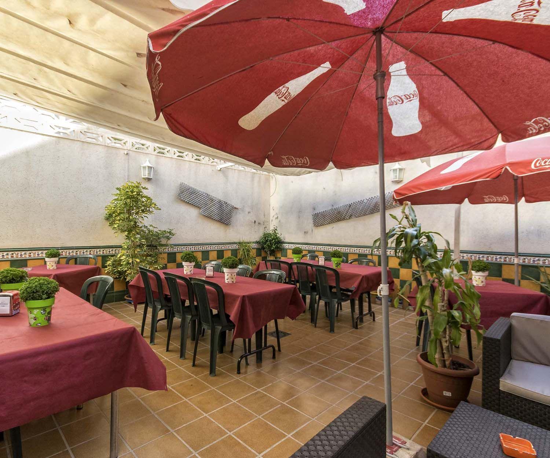 Bares de tapas en Novelda con terraza