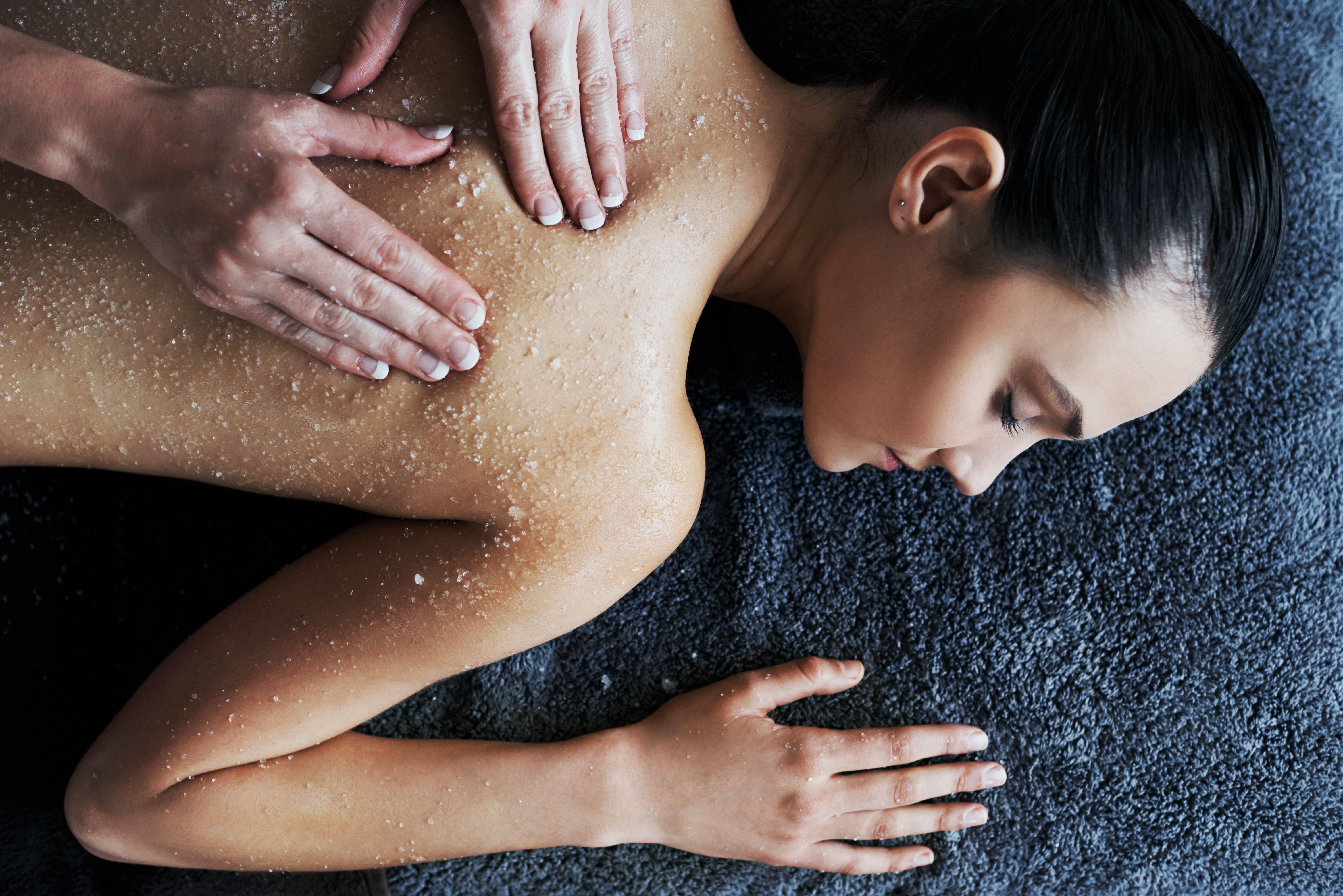 Masajes terapéuticos: Servicios y Productos de Javier Peluqueros