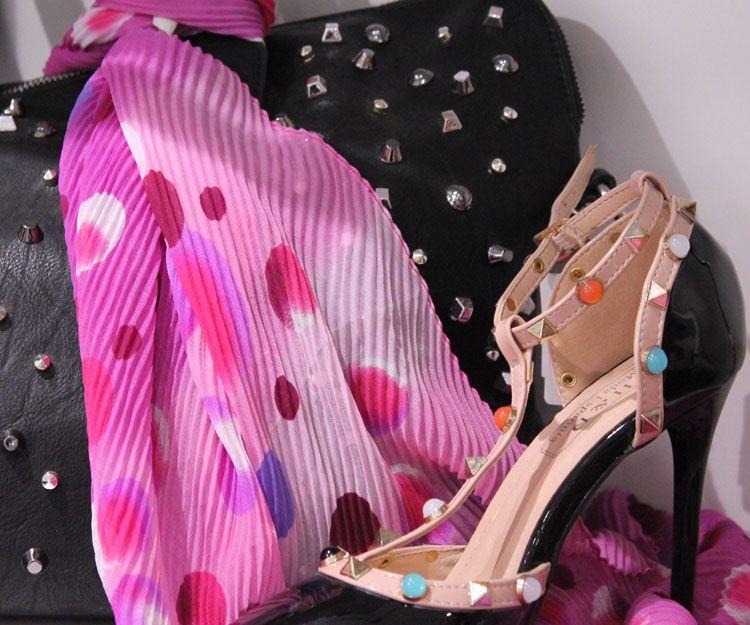 Zapatos y pañuelos para señora en Marbella
