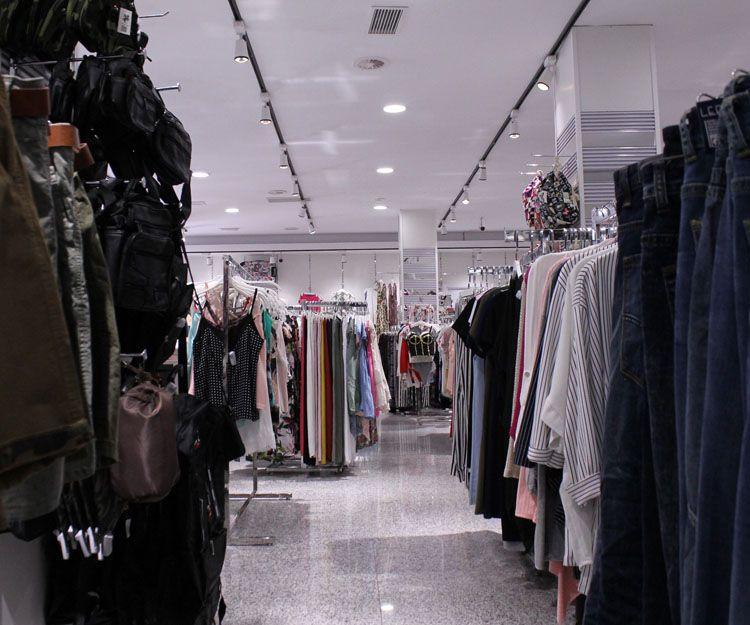Ropa de moda para mujer en Marbella