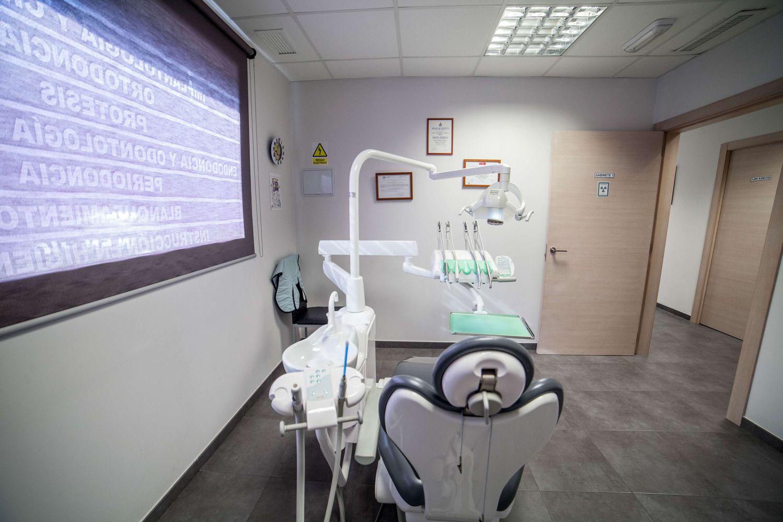 Realización de implantes dentales en silla (Valencia)