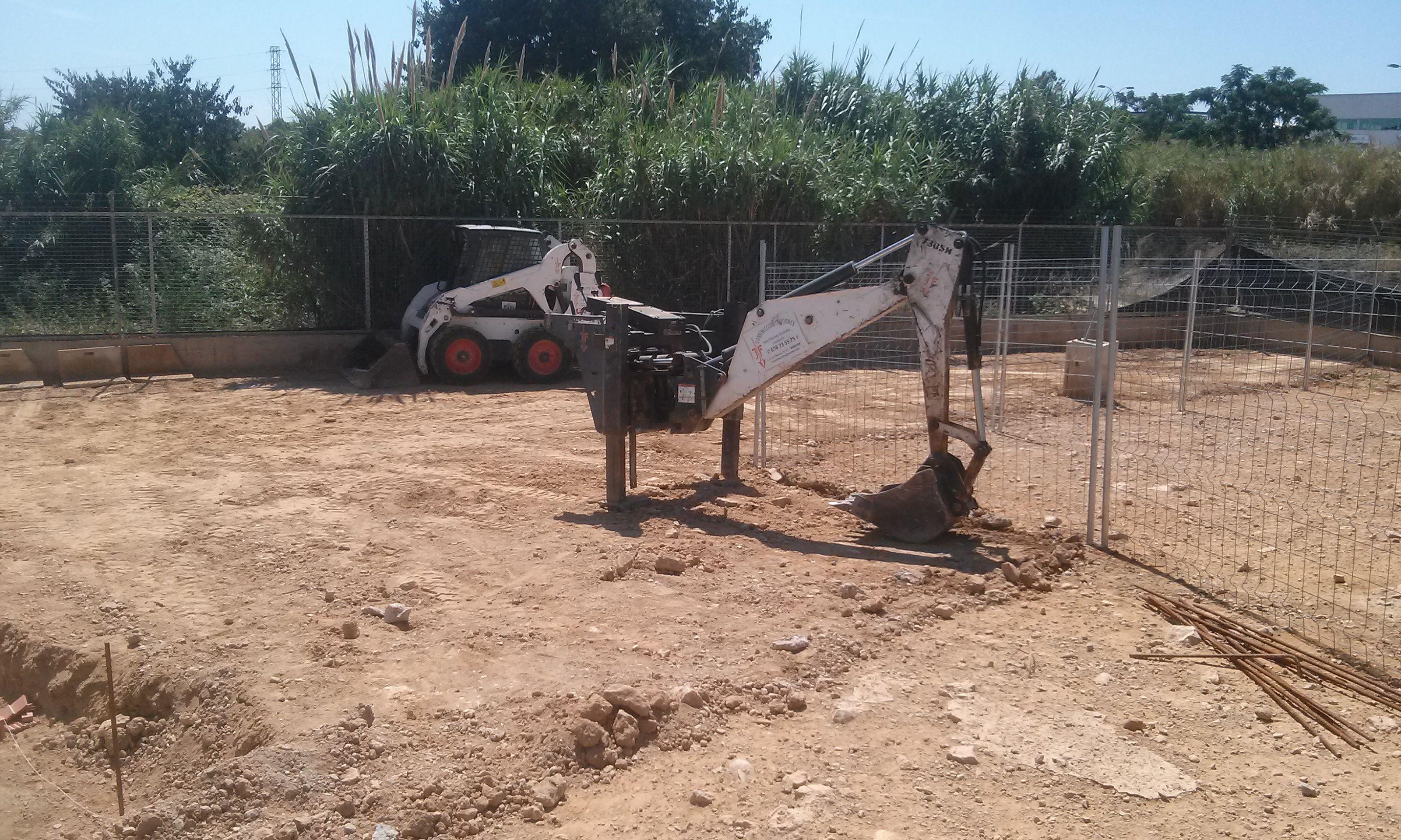 Maquinaria: Servicios de Construcbrafim