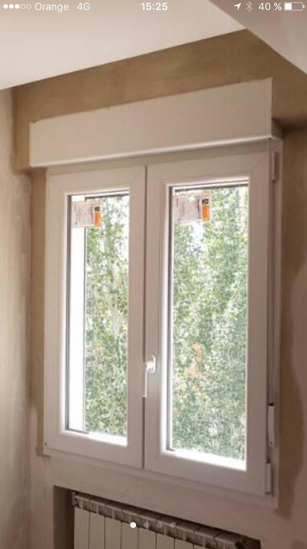 ventana terminada en rotura de puente termico , abatible de dos hojas , con persiana y doble cristal