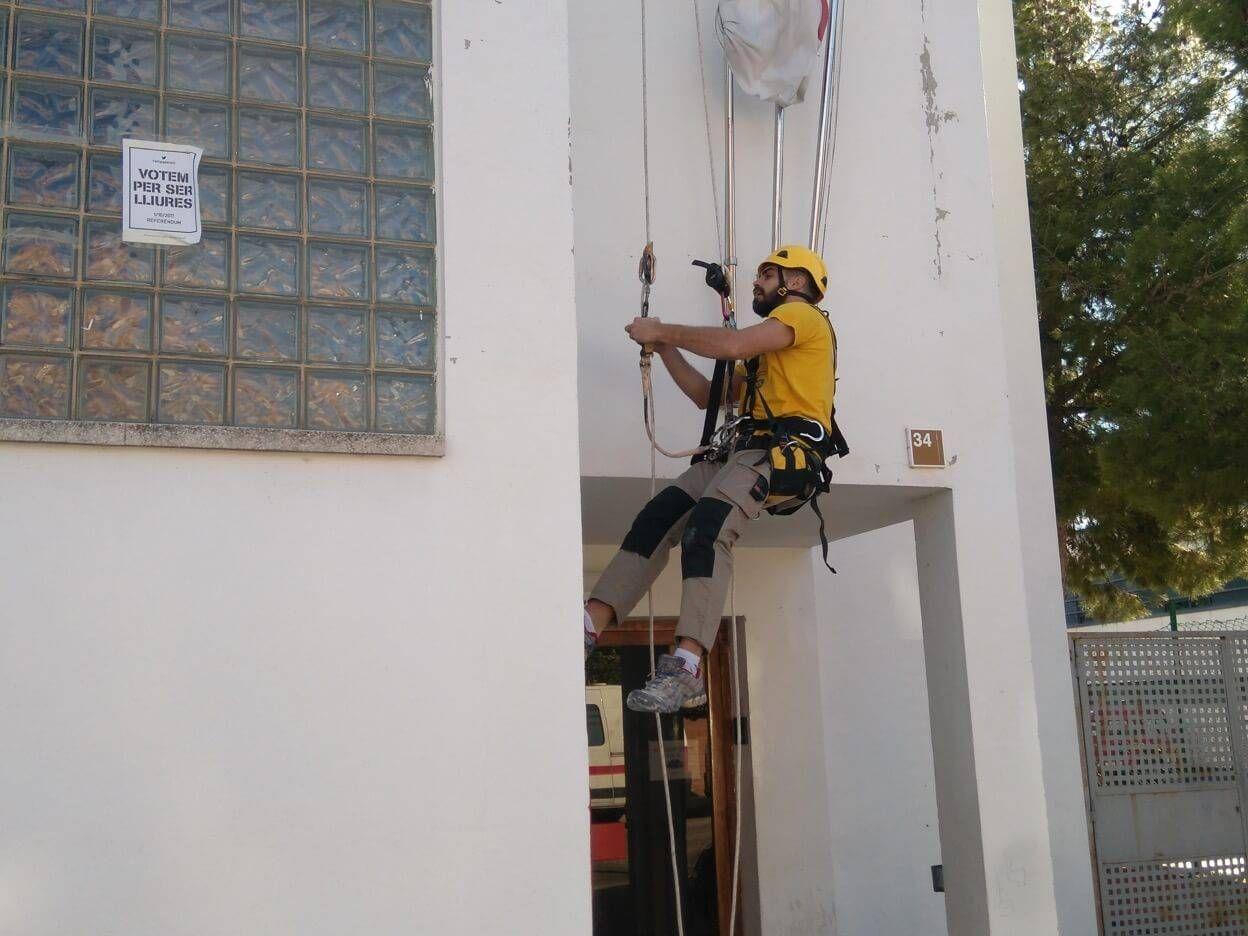 Trabajos verticales en Esplugues de Llobregat (Barcelona)