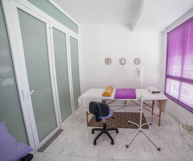 Interior de nuestra clínica de naturopatía en Valencia