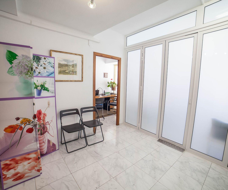 Zona de espera de nuestro centro de terapias alternativas en Valencia