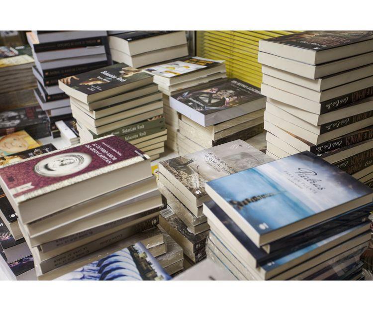Foto 18 de Editorial en Granada | Ediciones Dauro. Cuna de Autores de Éxito