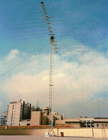 6.2 - Antena periódica de 30MHz: Productos de Invelco, S.A.