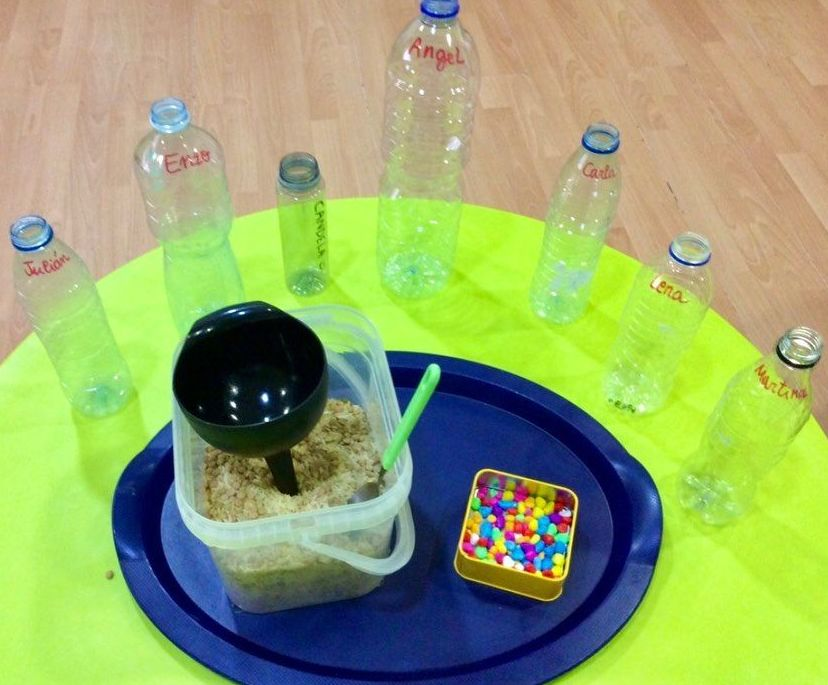 Todo preparado para hacer nuestras botellas sensoriales