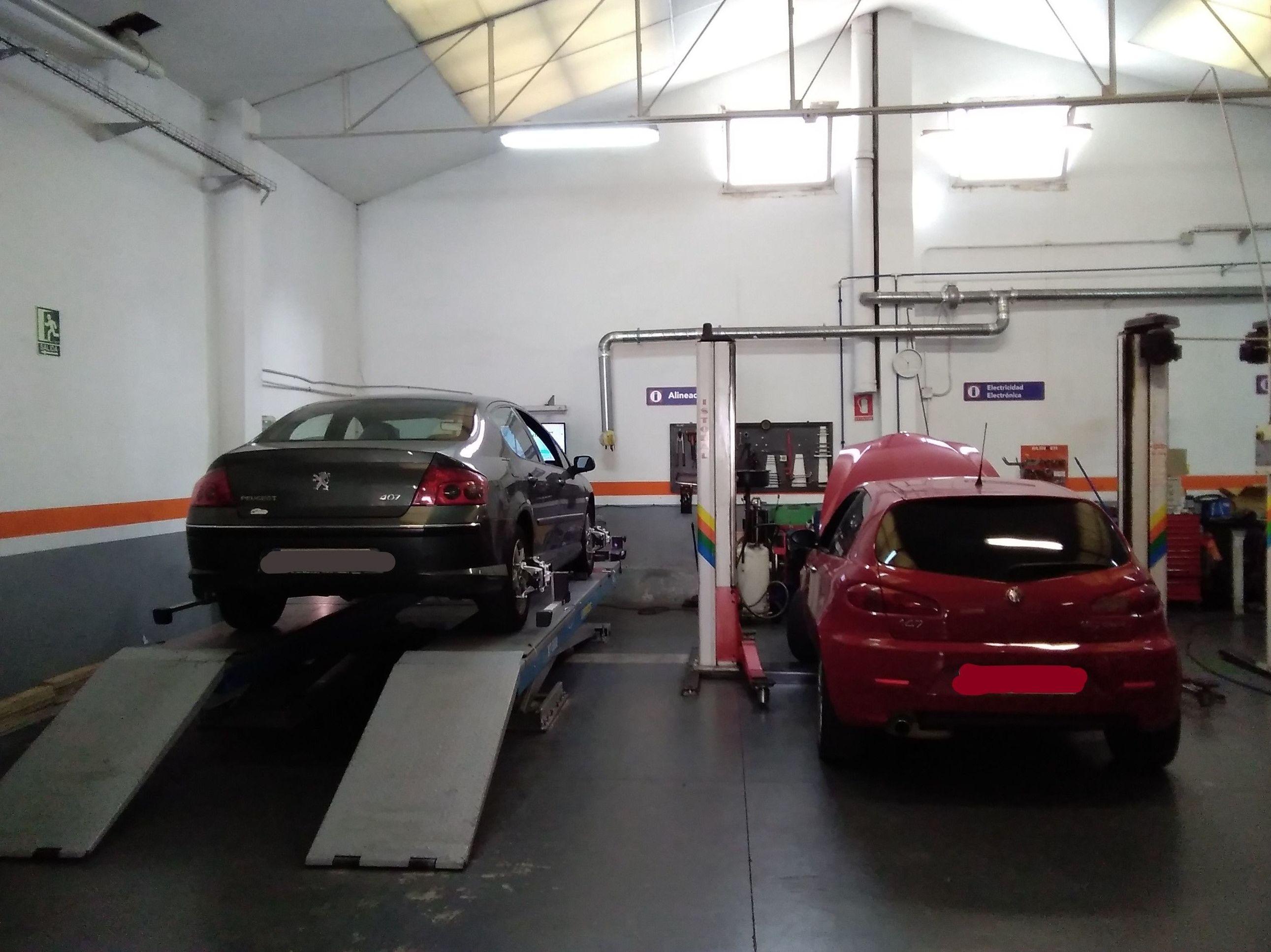 Foto 5 de Taller de automóviles en Zaragoza | Talleres Montecarlo