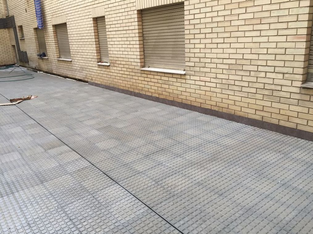 Reparación de pavimentos de terrazas en Oviedo