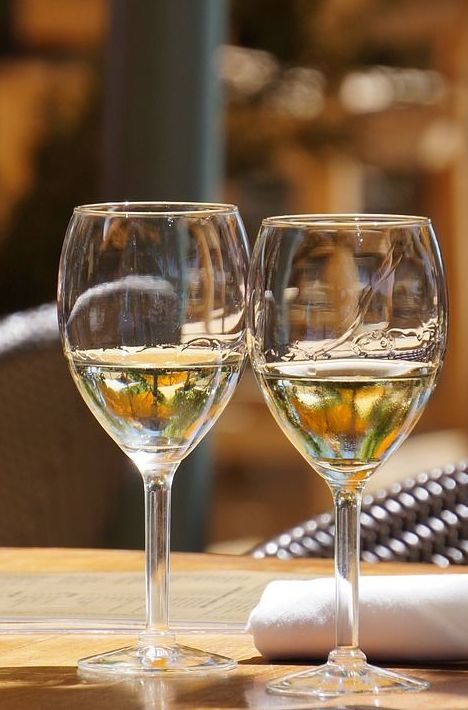Vino blanco : Carta de La Casona Alicantina