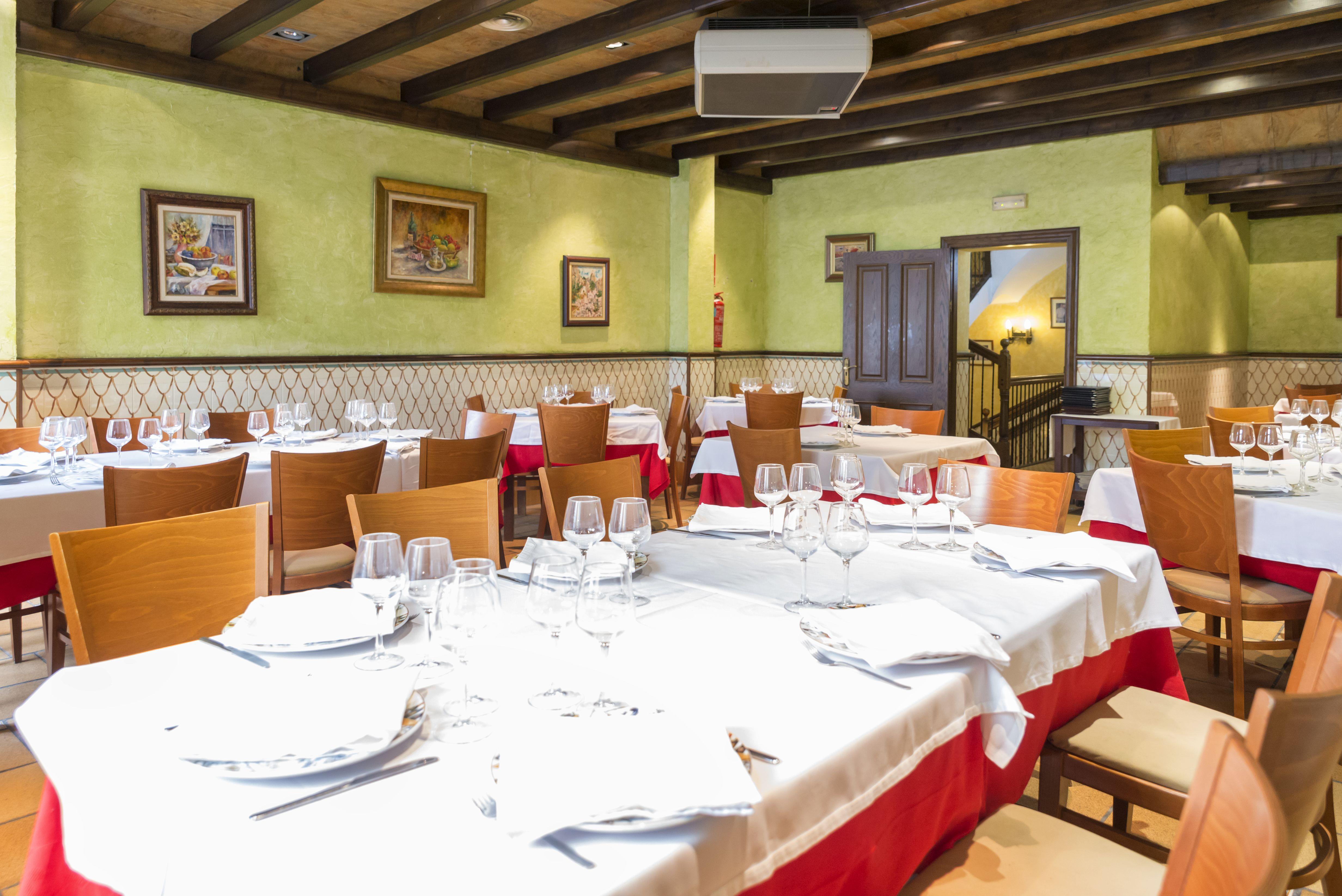 Foto 4 de Cocina mediterránea elaborada con ingredientes siempre frescos en Alicante | La Casona Alicantina