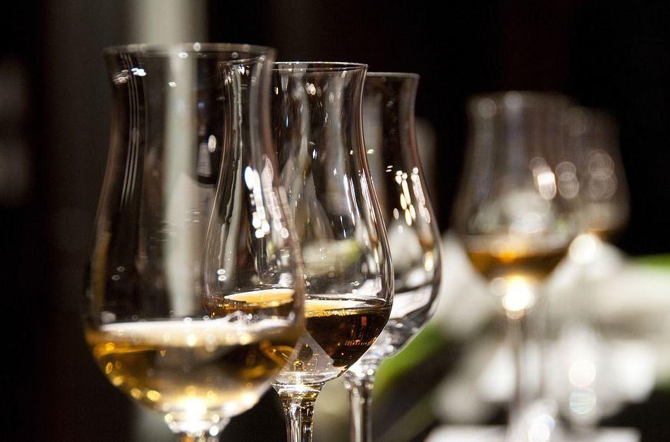 Cata de vinos : Carta de La Casona Alicantina