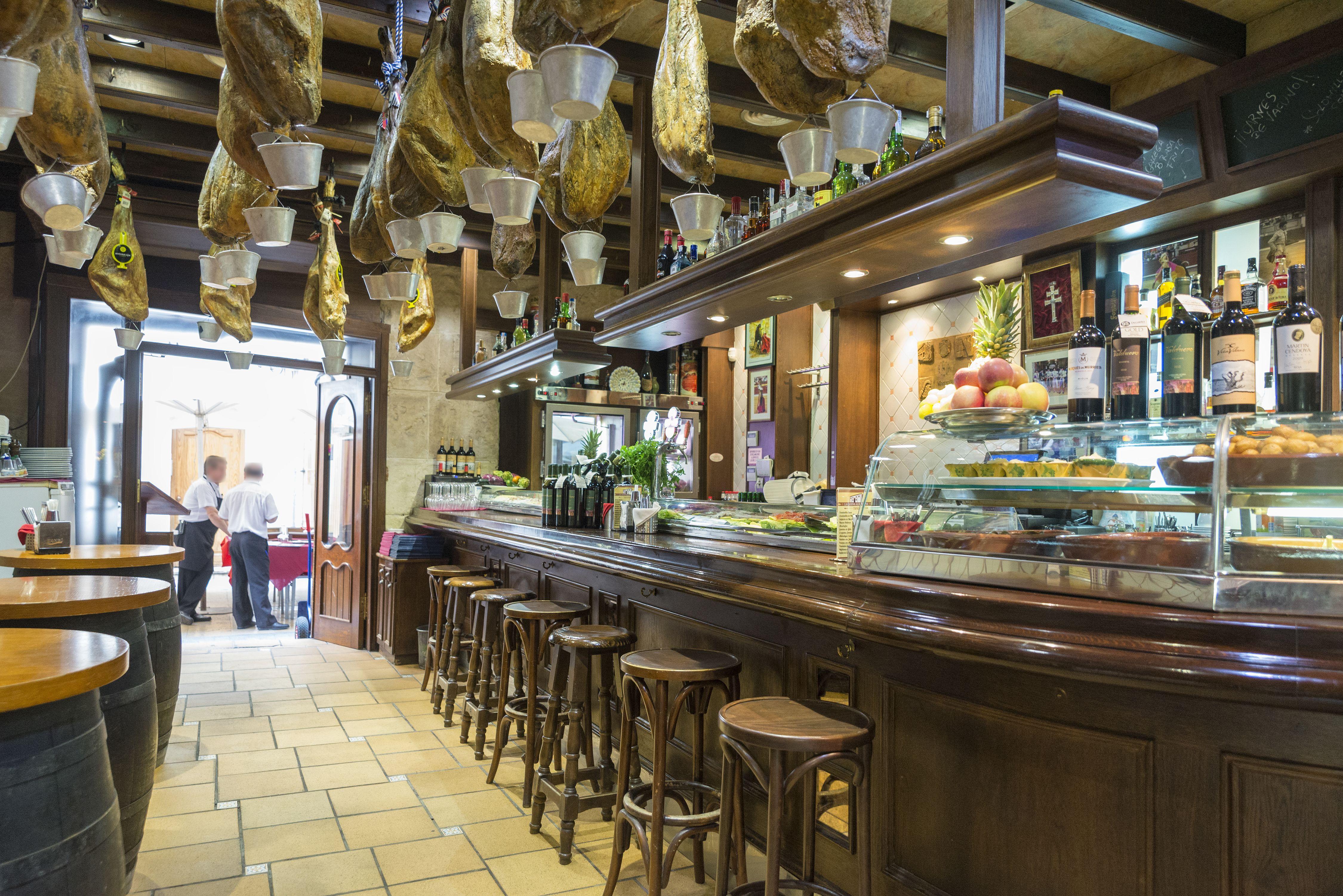 Foto 5 de Cocina mediterránea elaborada con ingredientes siempre frescos en Alicante | La Casona Alicantina