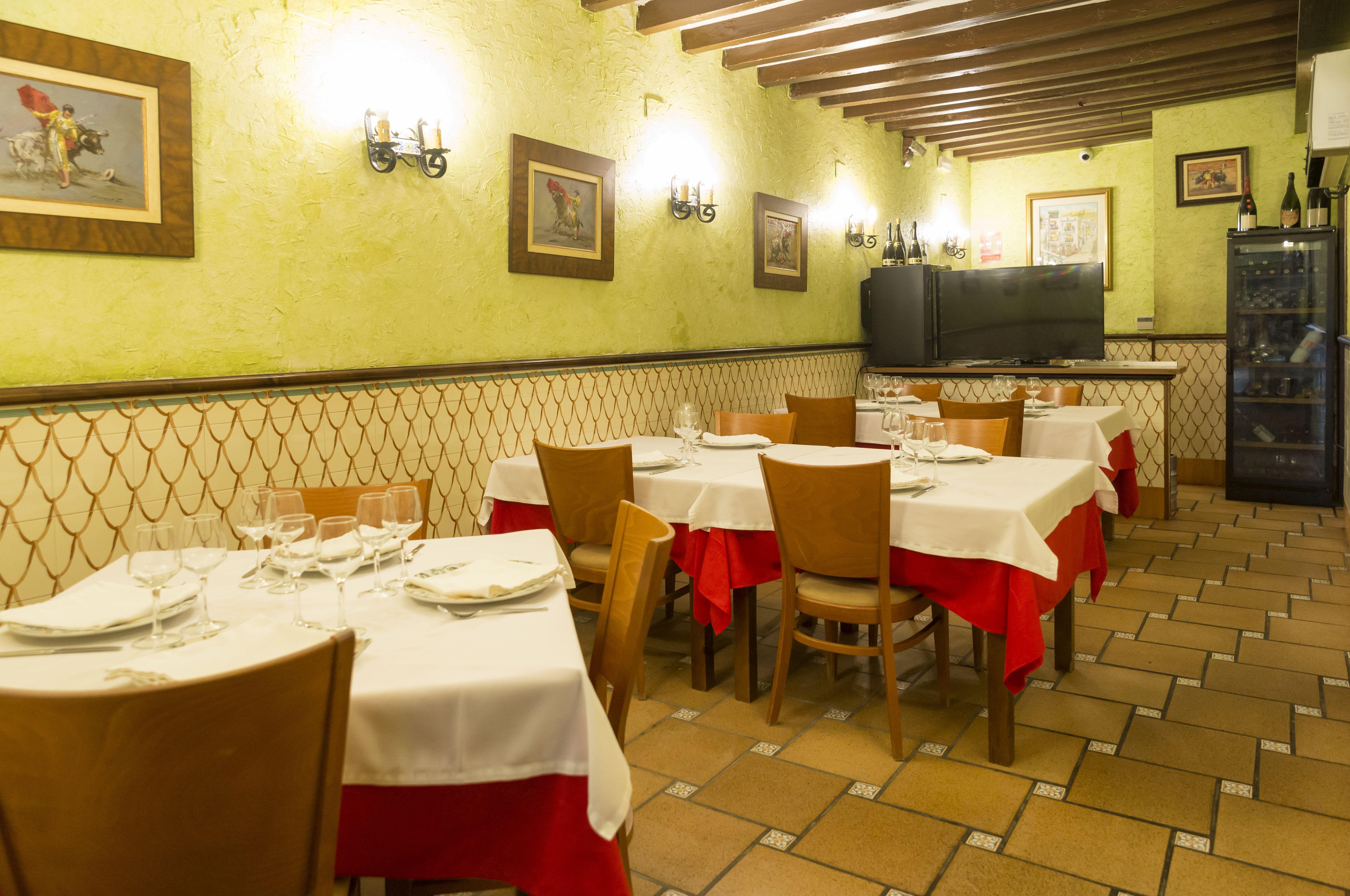 Foto 1 de Cocina mediterránea elaborada con ingredientes siempre frescos en Alicante | La Casona Alicantina